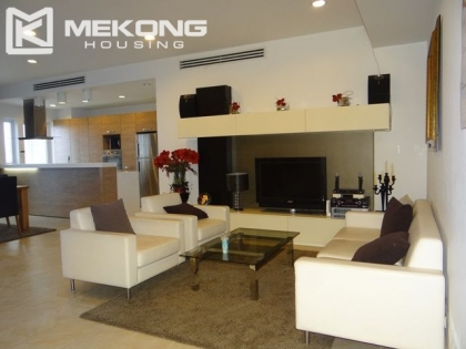2 bedrooms apartment for rent in Golden Westlake, Tay Ho district, Hanoi.