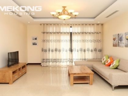 2 bedrooms apartment for rent in R5 building, Royal City, Hanoi.