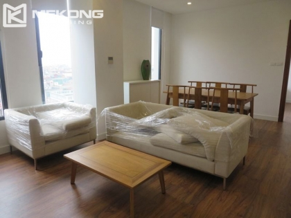 Apartment for rent in Dong Da district, 3 BR, Lake view.