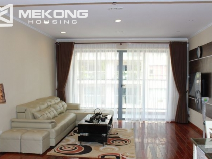 Beautiful 3 bedrooms apartment for lease in Lang Ha Street, Dong Da district, Hanoi