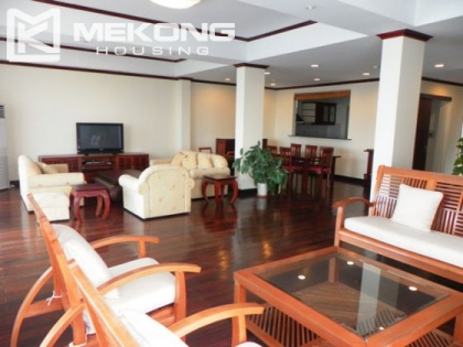 Lakeside Gadern apartment for rent in Xuan Dieu street, Tay Ho district, Hanoi.