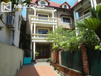 Large villa with swimming pool and garden in Tay Ho district