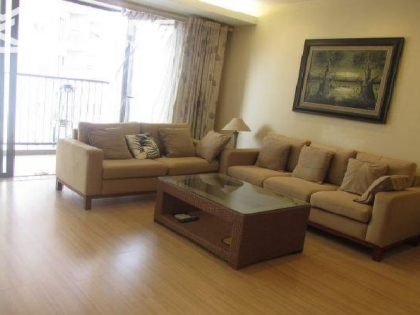 Nice apartment  with 2 bedrooms for rent in Sky City 88 Lang Ha street, Dong Da district, Hanoi.