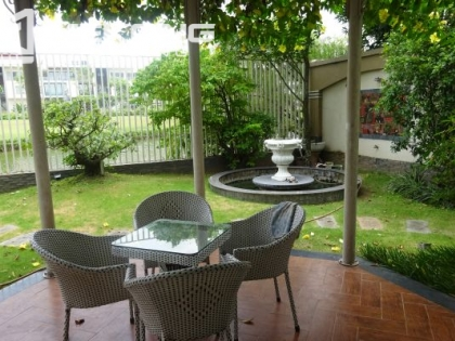 Very beautiful villa for rent in Ciputra Hanoi with garden, flower and riverside