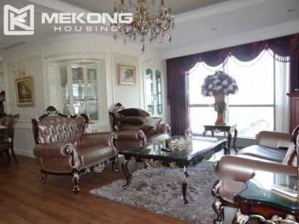 Luxurious apartment for rent in Tran Duy Hung street. Apartments for rent in Hanoi  Apartments for lease in Hanoi